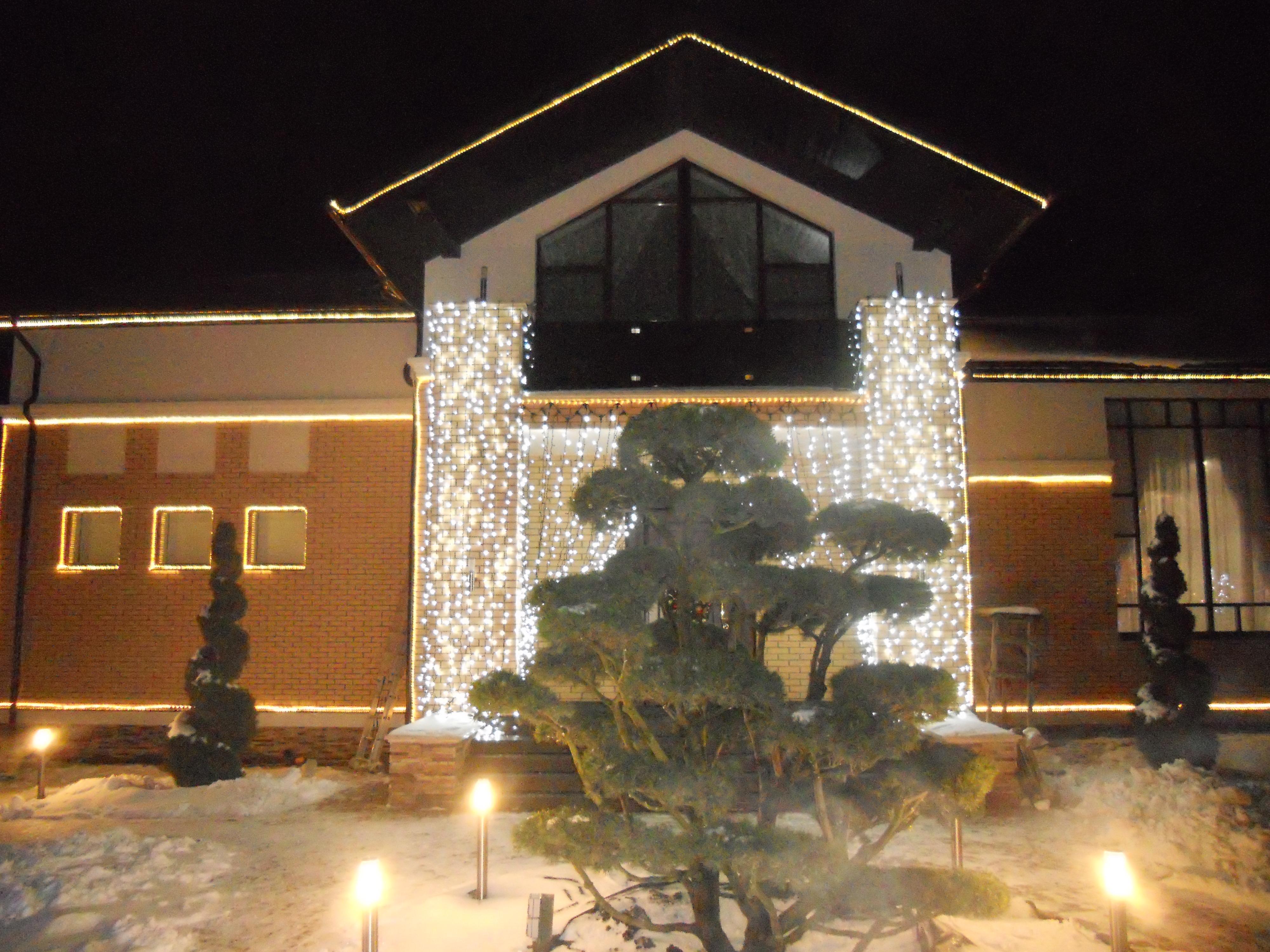 Новогоднее украшение фасадов